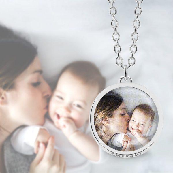 Halskette mit einem Foto personalisiert