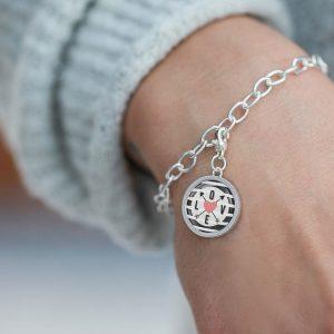 Charmarmband mit einem Charm, Kompass