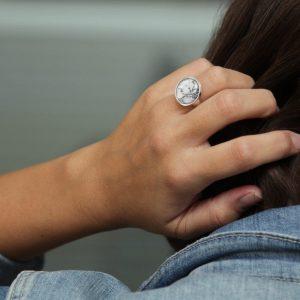 Damenring im Marmorlook, Marble